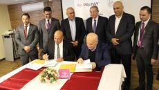 صورة توقيع اتفاقية بلدية نابلس.jpg