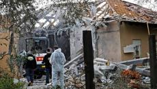 صاروخ يصيب منزل في تل ابيب.jpg