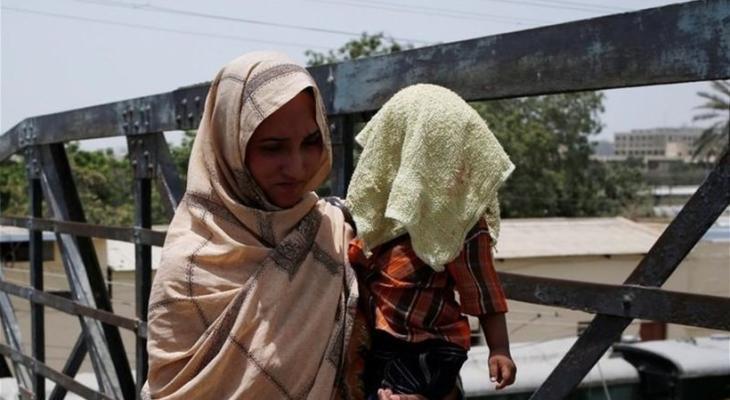 وفيات في الباكستان بسبب الحرارة.jpg