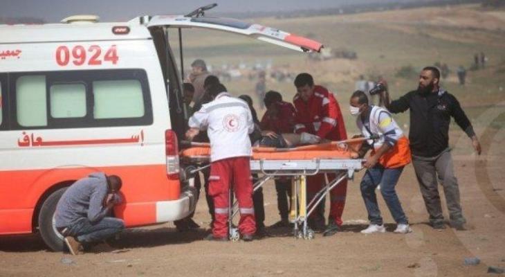 اسعاف ينقل مواطن شرق غزة.jpg