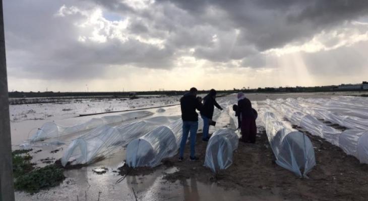 فتح سدود مياه الامطار شرق غزة.jpg