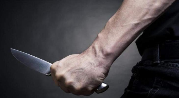 قتل بالسكين.jpg