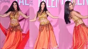 غيندوس ملكة جمال الفلبين ترقص.jpg
