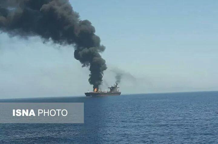 صور الهجوم على ناقلتي النفط في خليج عمان2.jpg