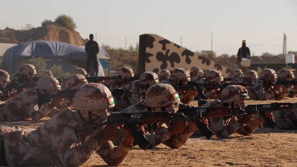 كتائب الاقصى بغزة تخرج مقاتلين2.jpg
