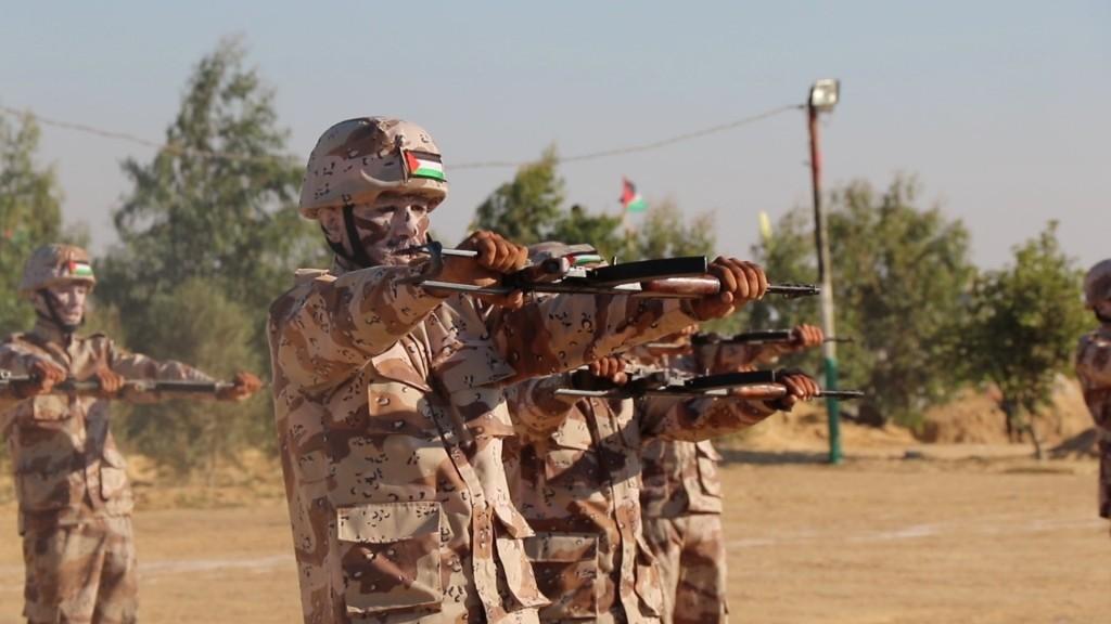 كتائب الاقصى بغزة تخرج مقاتلين4.jpg